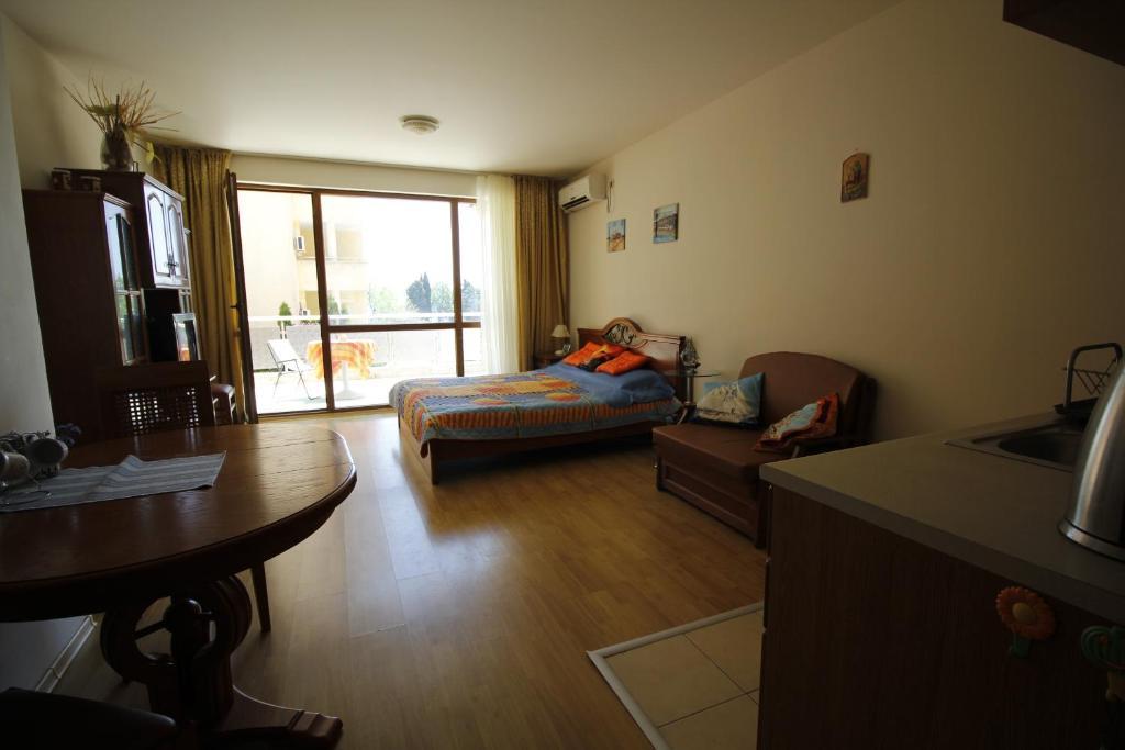 Апартаменты в болгарии несебр работа в испании 2018