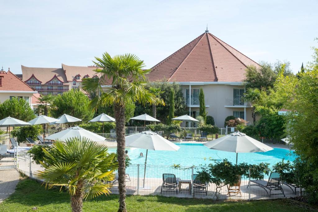 Vue sur la piscine de l'établissement Les Jardins De Beauval ou sur une piscine à proximité