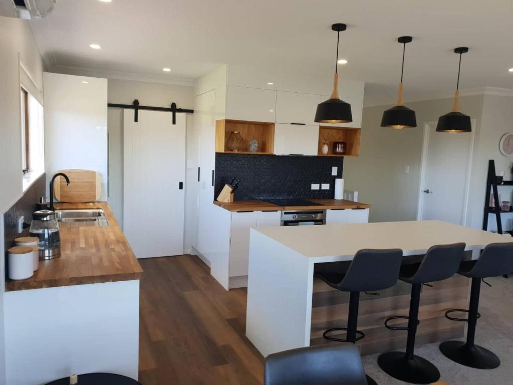 Image of: Booking Com Casa De Temporada All New Everything Beautiful Relaxed Open Space Tauranga Nova Zelandia 23 Avaliacoes Dos Hospedes Reserve Seu Hotel Agora Mesmo