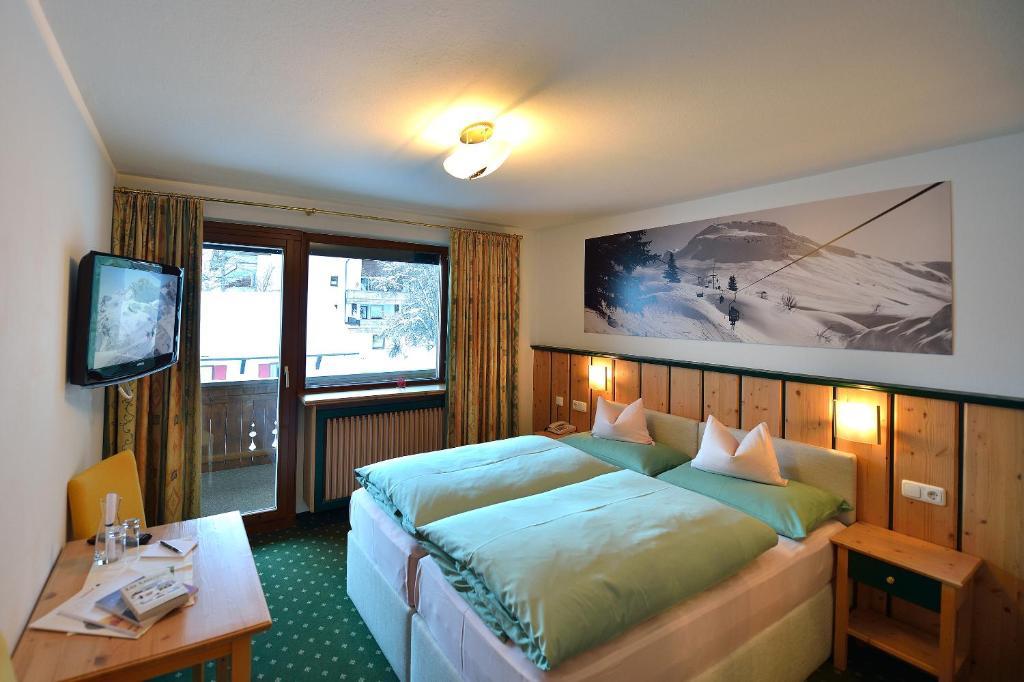 Hotel-Garni Felsenhof Lech am Arlberg, Austria