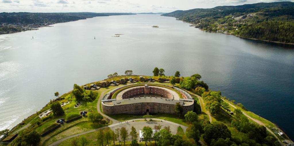 A bird's-eye view of Oscarsborg Castle Hotel & Resort