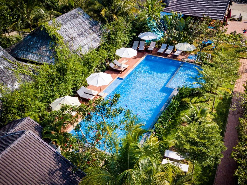 A view of the pool at La Casa Resort or nearby