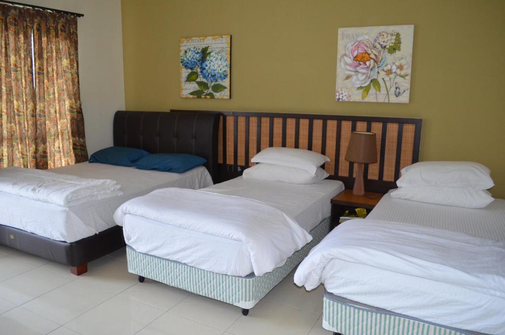 Condo Hotel Gold Coast Morib Ain Studio Kampong Tanjong Pechah Malaysia Booking Com