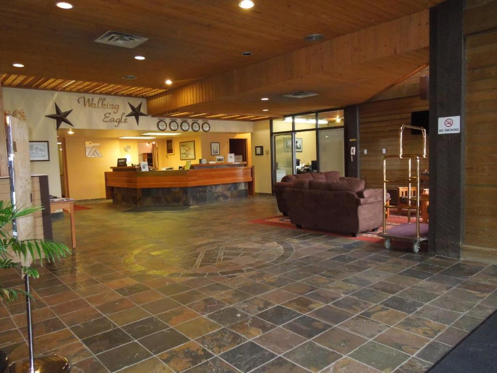 Walking Eagle Inn & Lodge