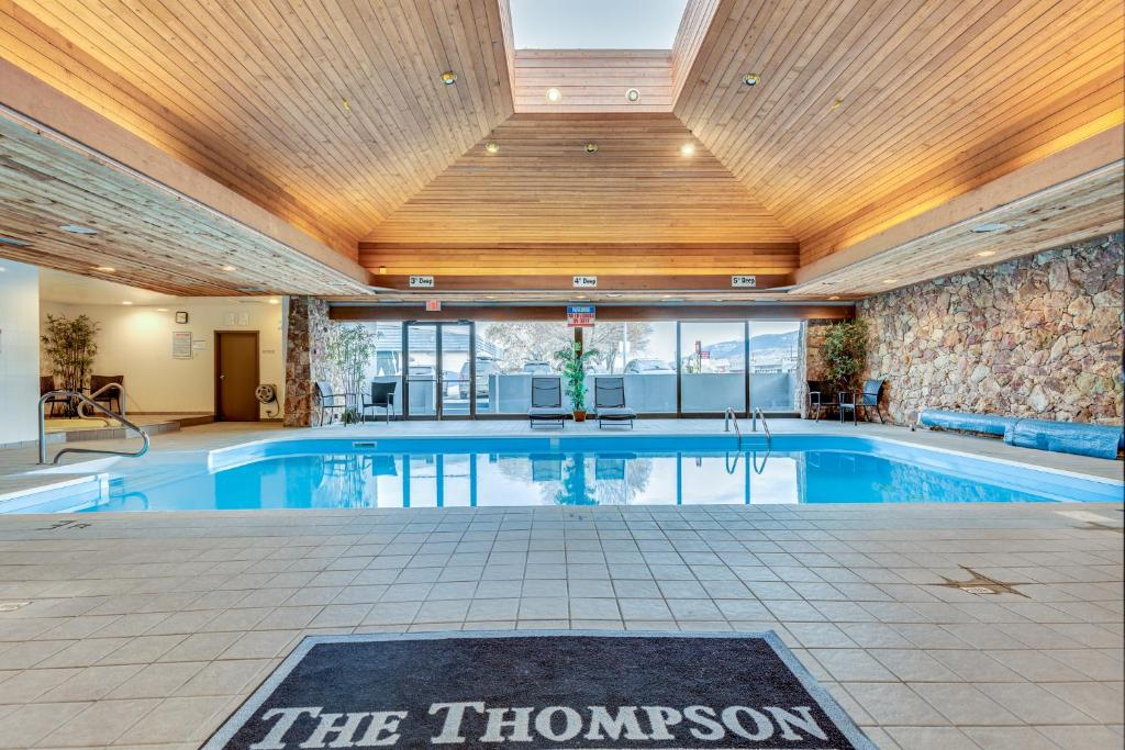 The swimming pool at or close to The Thompson Hotel