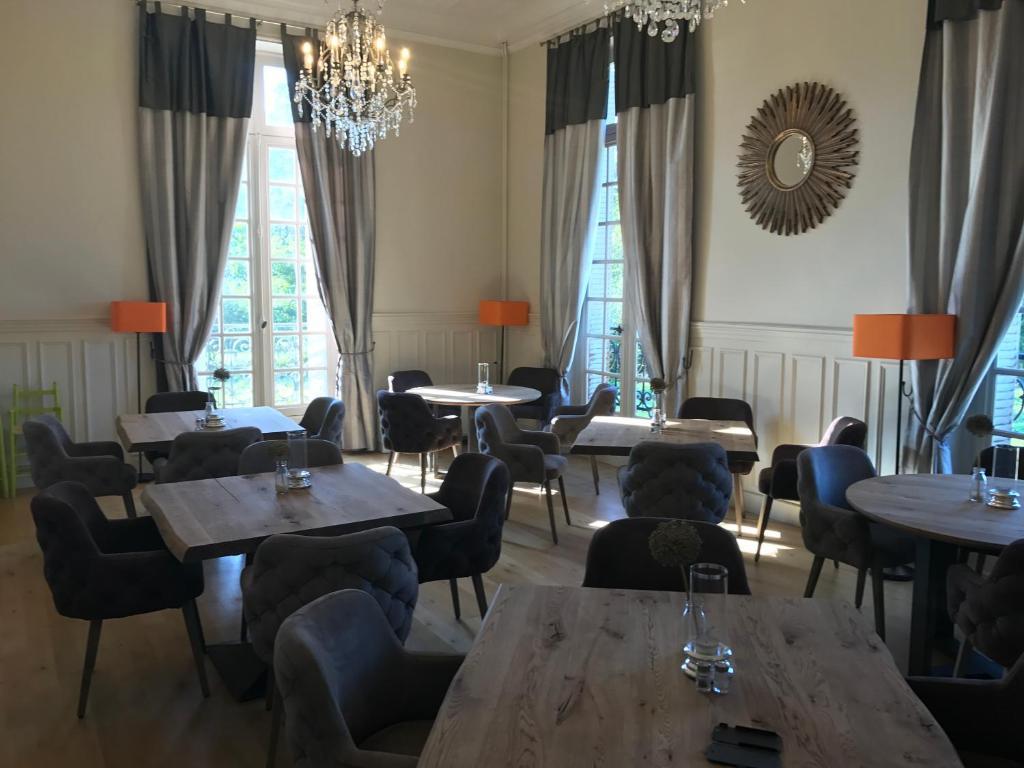 Restaurant ou autre lieu de restauration dans l'établissement Domaine de Chaligny
