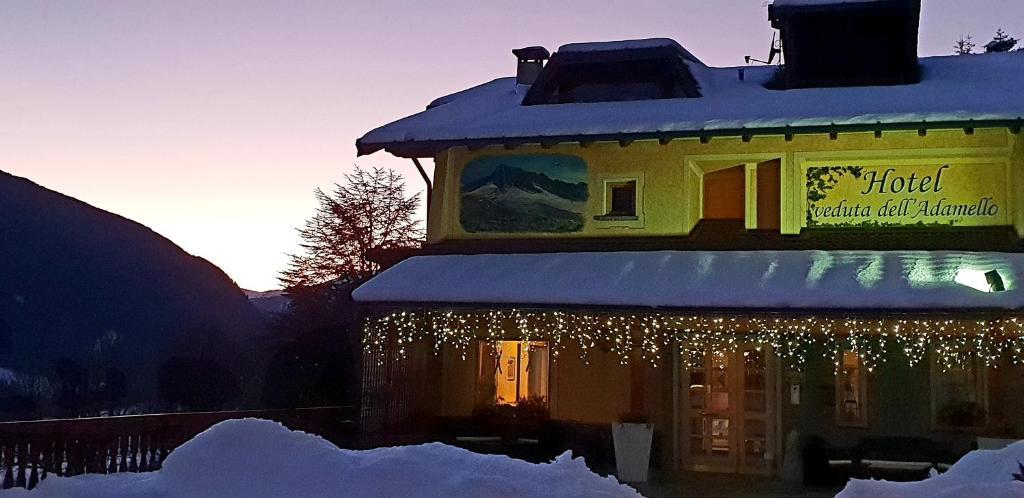 Hotel Veduta dell'Adamello durante l'inverno