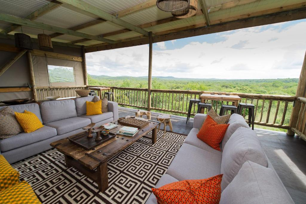 A seating area at Zululand Lodge