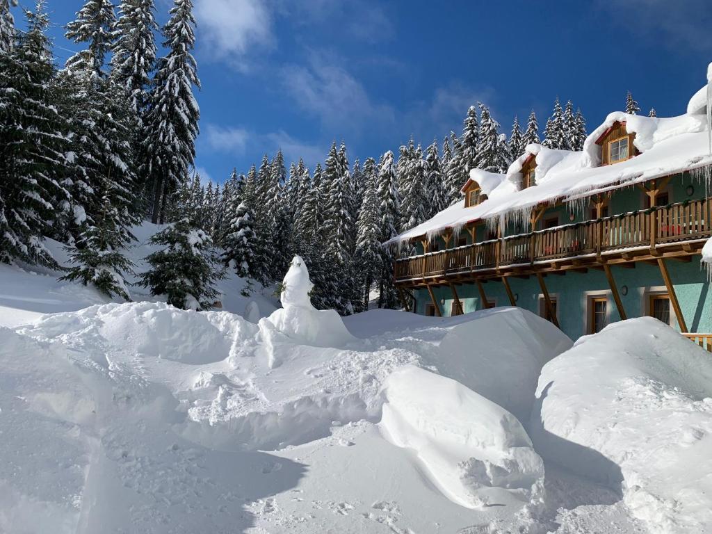 Hotel Ochsendorf during the winter