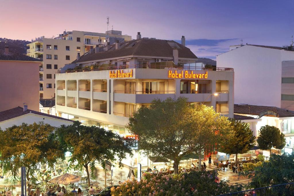 Hotel Bulevard Platja  dAro, Spain