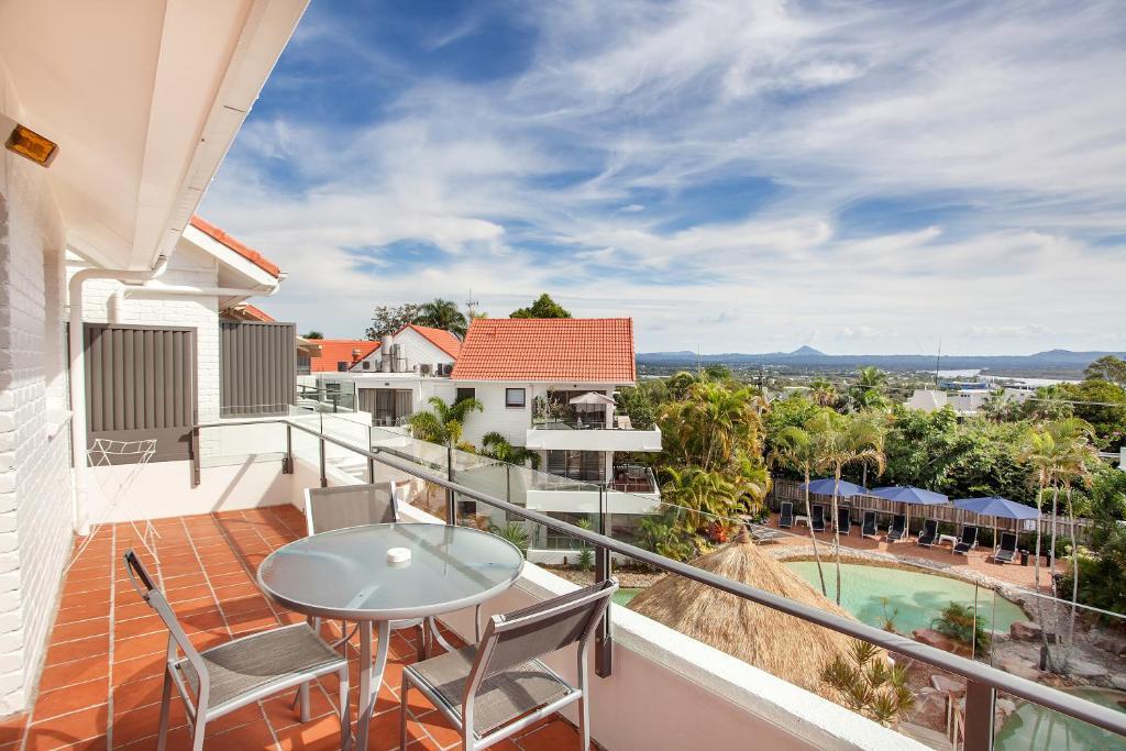 A balcony or terrace at Noosa International Resort