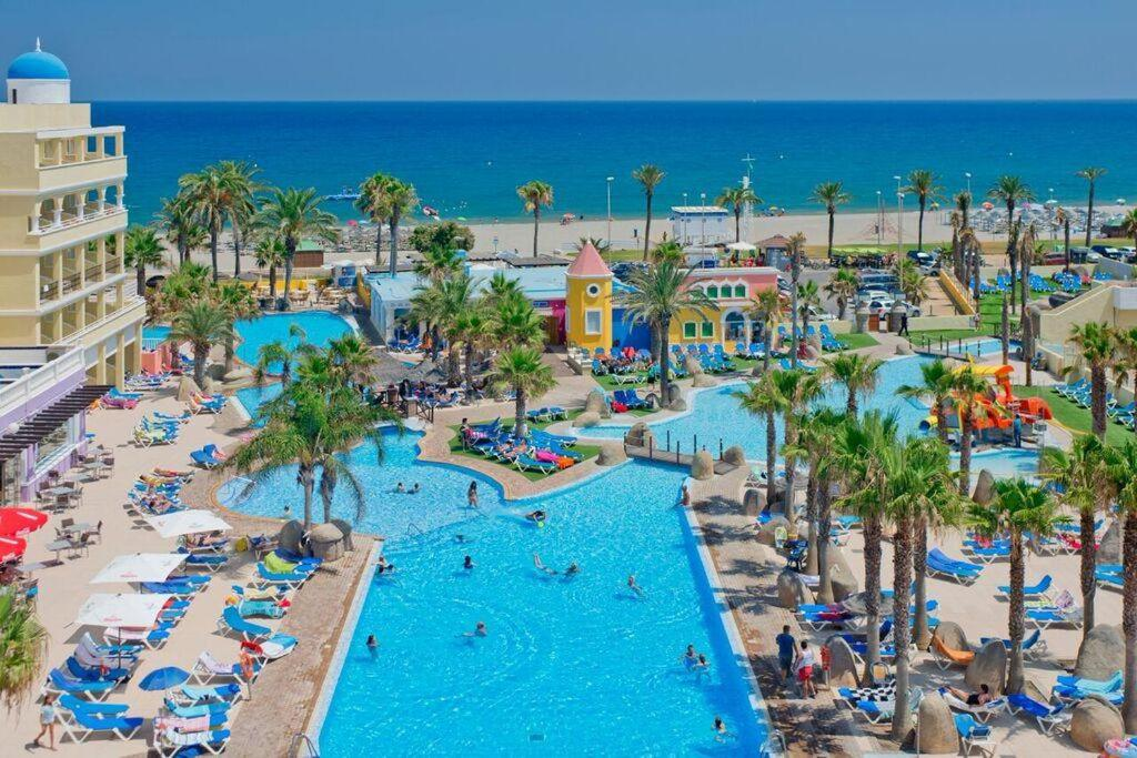 A view of the pool at Mediterraneo Bay Hotel & Resort or nearby
