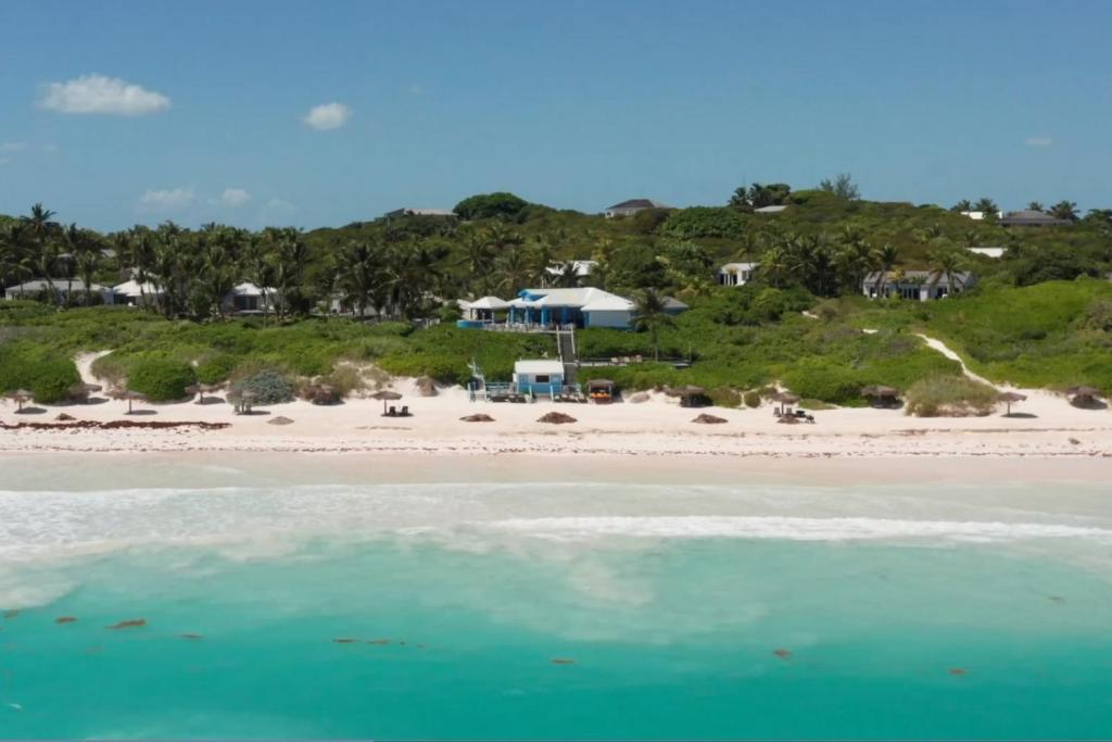 A bird's-eye view of Pink Sands Resort