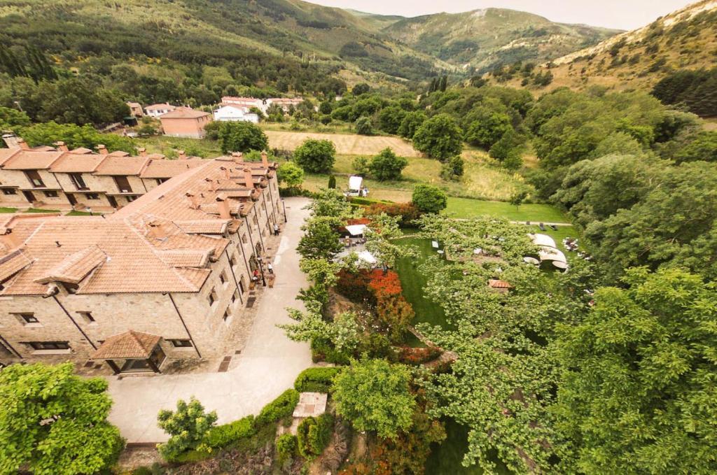 Hotel Ribera del Corneja a vista de pájaro