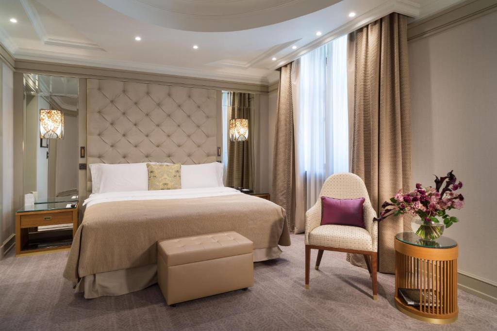 A room at the Metropol Hotel.