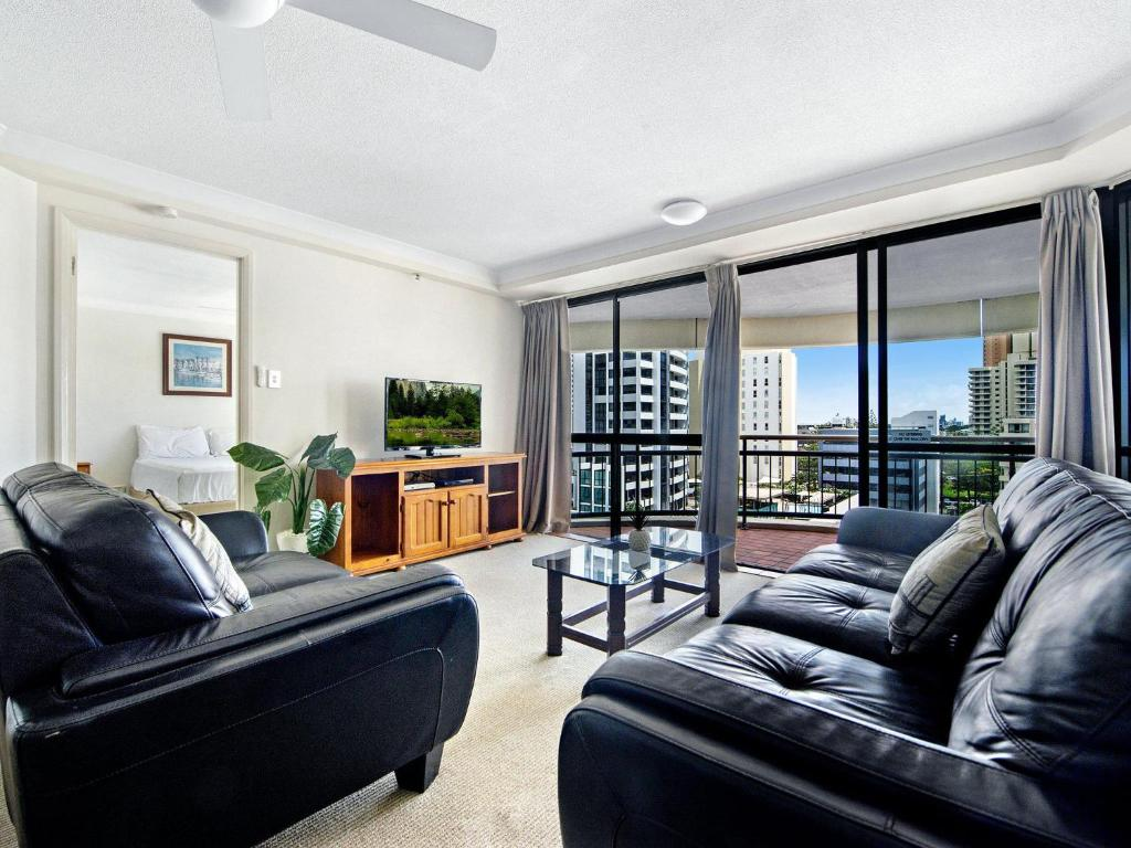 A seating area at Victoria Square Apartments in the Heart of Broadbe