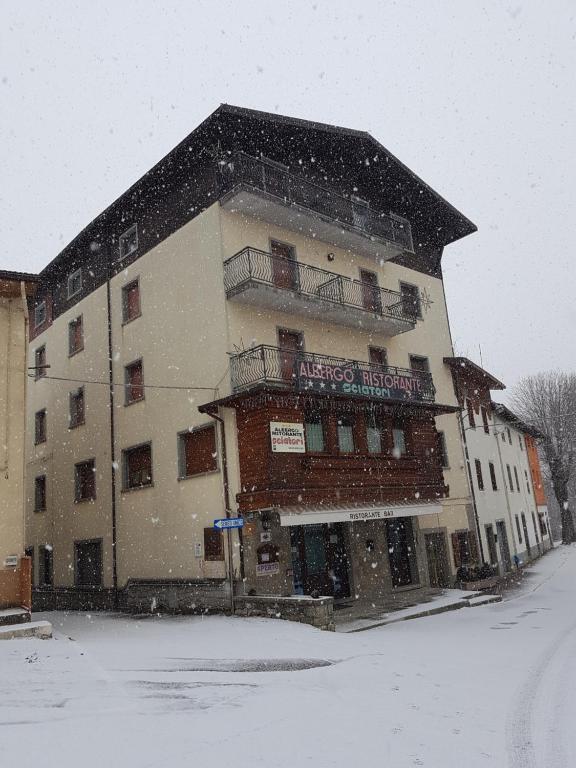 Albergo Ristorante Sciatori Pievepelago, Italy