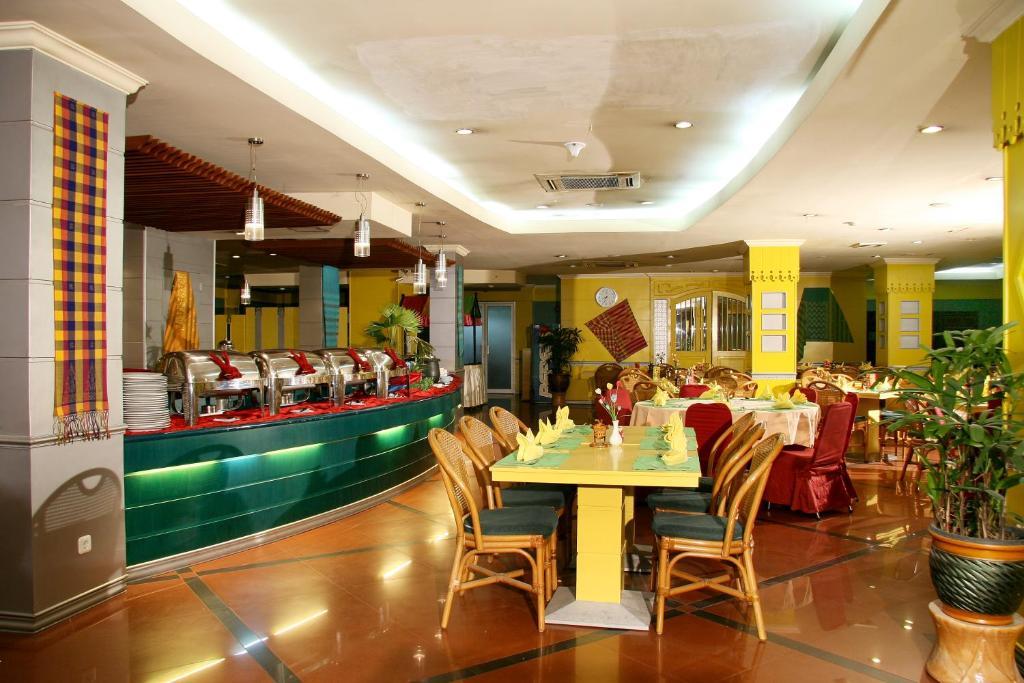 Furaya Hotel Pekanbaru Indonesia Booking Com