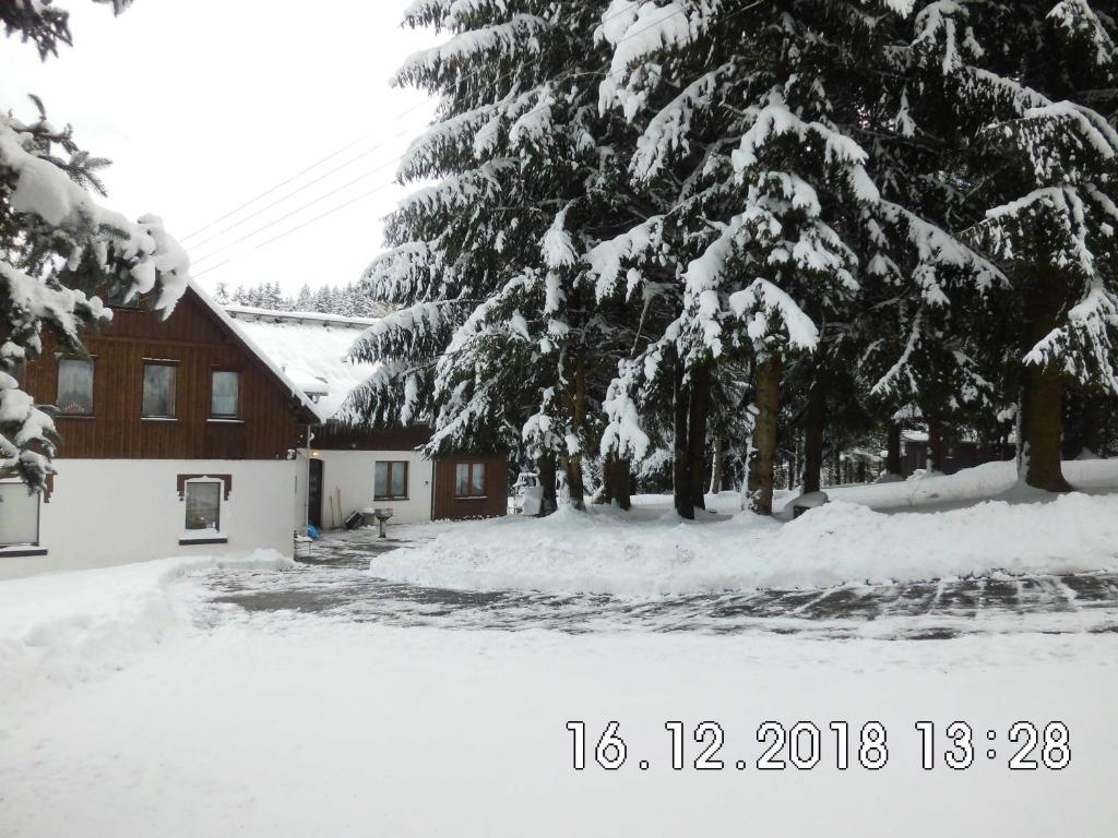 Landhaus am Fritzschberg during the winter