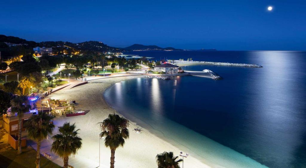 unica intalnire Toulon.