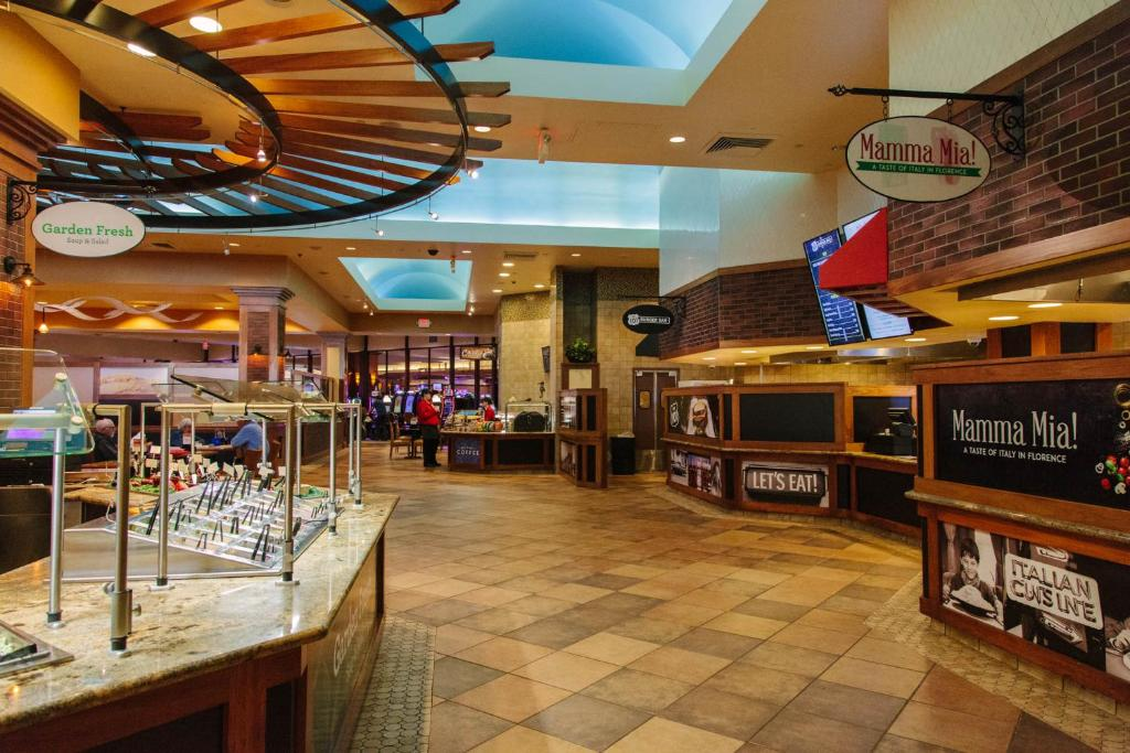 """""""Florence"""" """"Oregon"""" Restaurants Open Christmas Day 2021 Three Rivers Casino Resort Florence Updated 2021 Prices"""