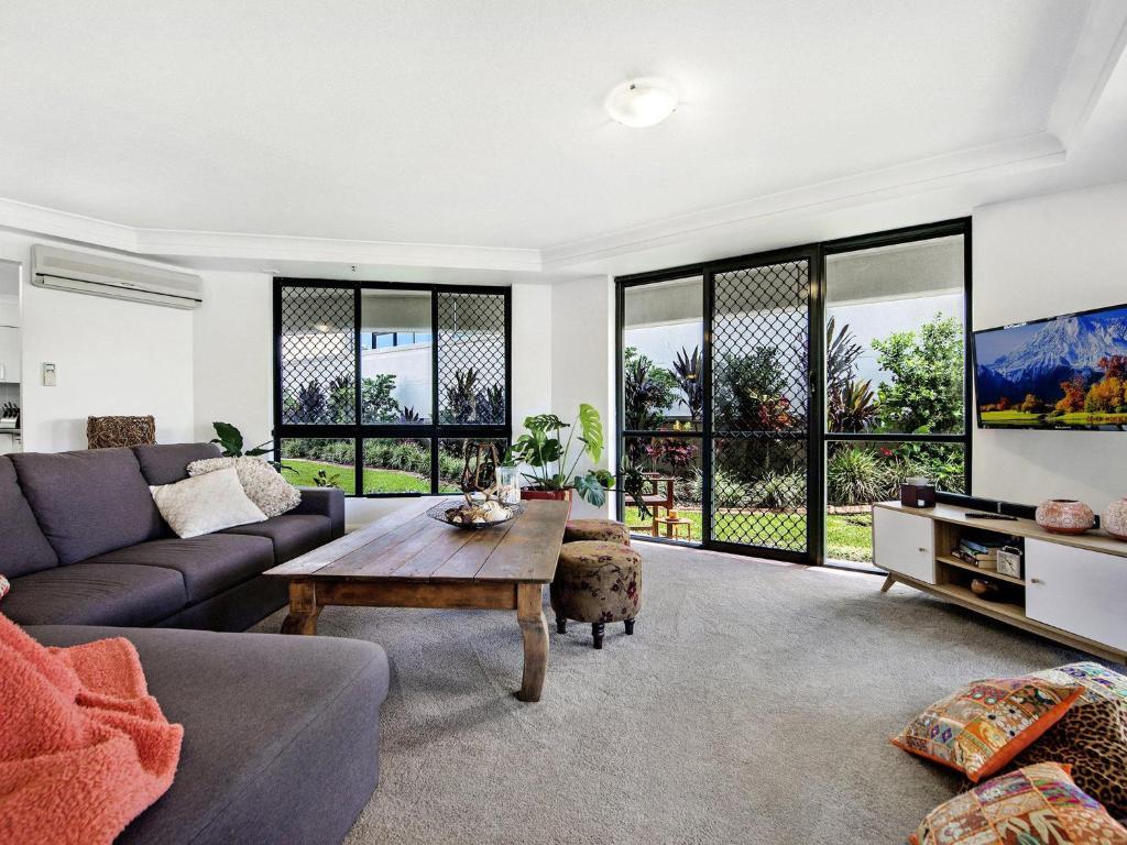 A seating area at Victoria Square Apartments Broadbeach - Level 4