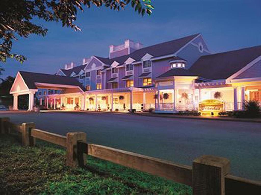 Hotel near foxwoods casino with shuttle scooby doo 2 game bonus password