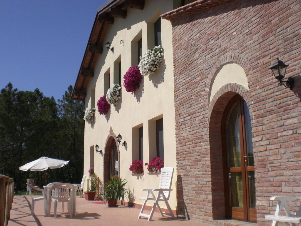AGRITURISMO SANTA BARBARA COUNTRY HOUSE