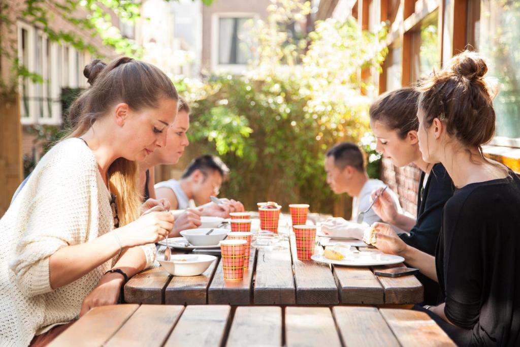 Een restaurant of ander eetgelegenheid bij St Christophers Inn at The Winston
