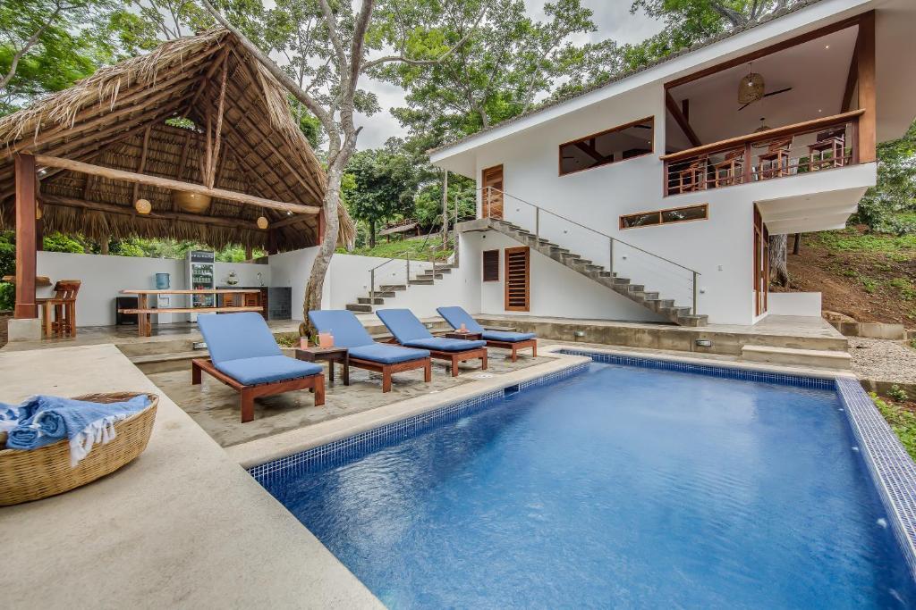The swimming pool at or near Verdad Nicaragua