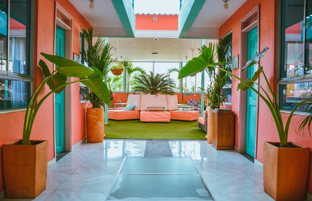 The lobby or reception area at Flamingo Hostel & Coworking