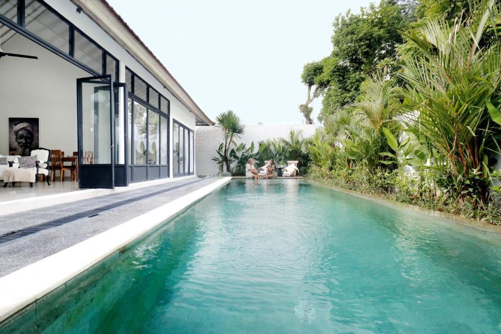 The swimming pool at or near The Villas Umalas