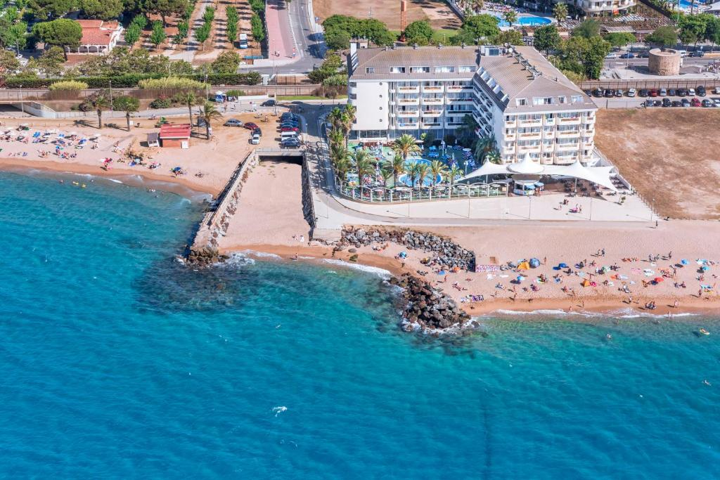 A bird's-eye view of Caprici Beach Hotel & Spa