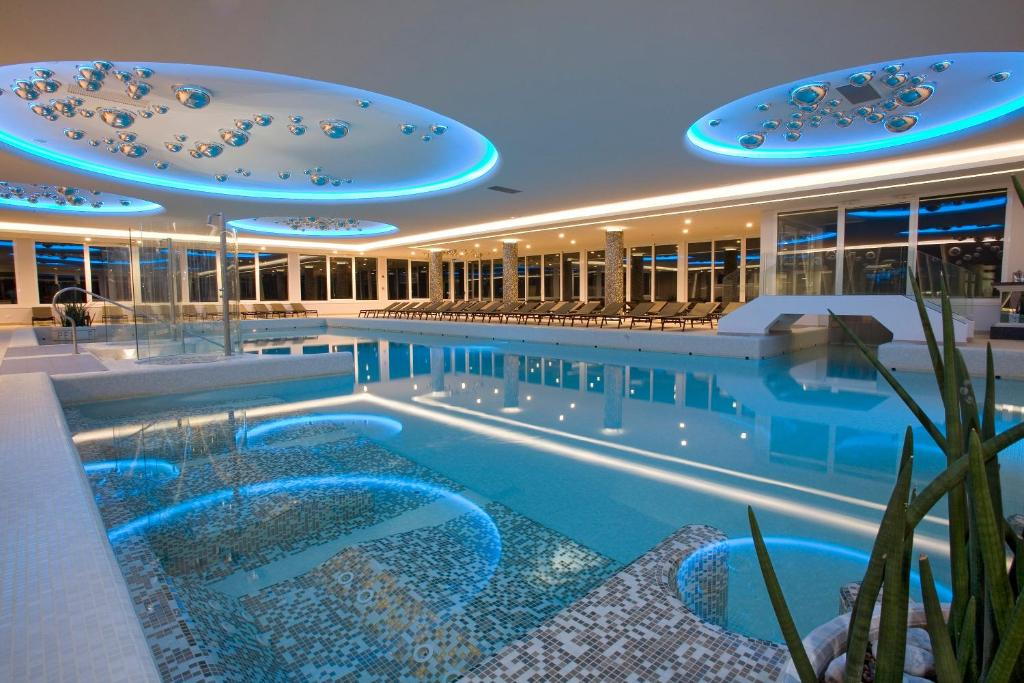 Бассейн в Hotel Terme Venezia или поблизости
