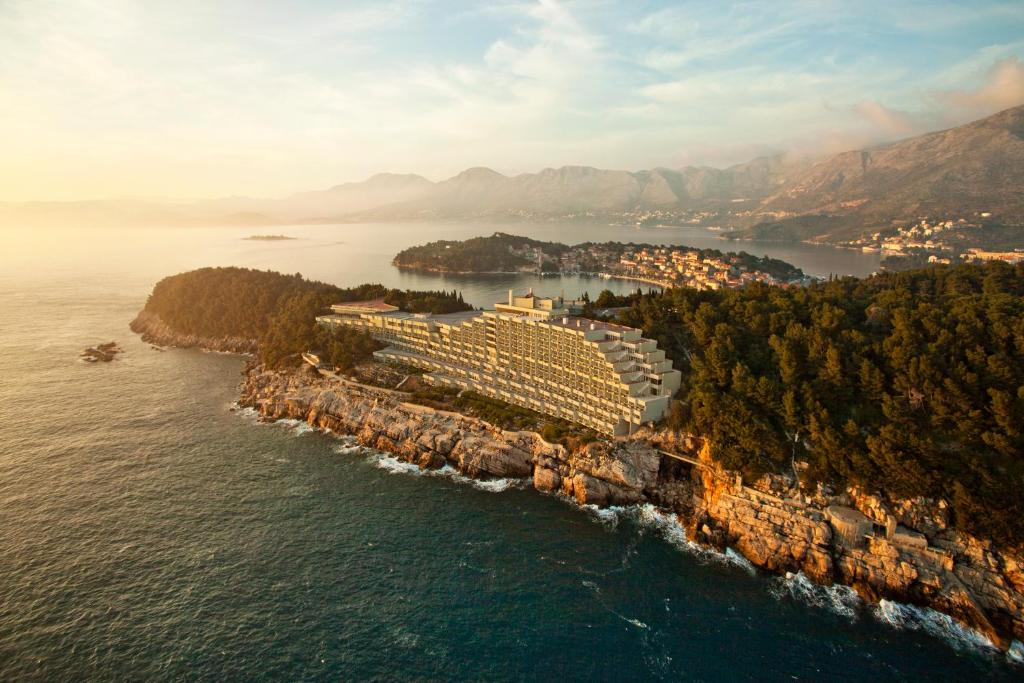 Een luchtfoto van Hotel Croatia