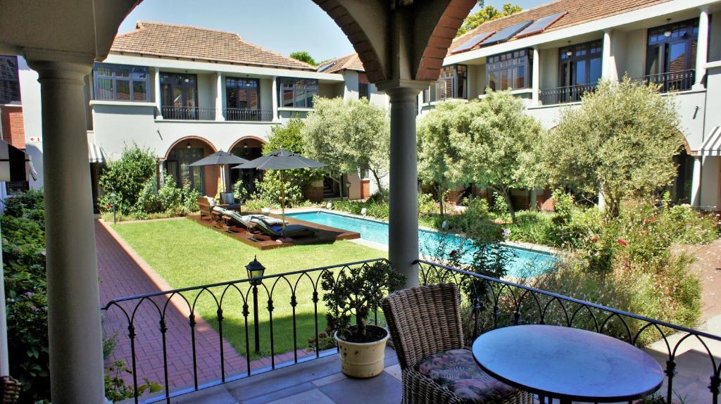 منظر المسبح في فندق ذا وينستون او بالجوار