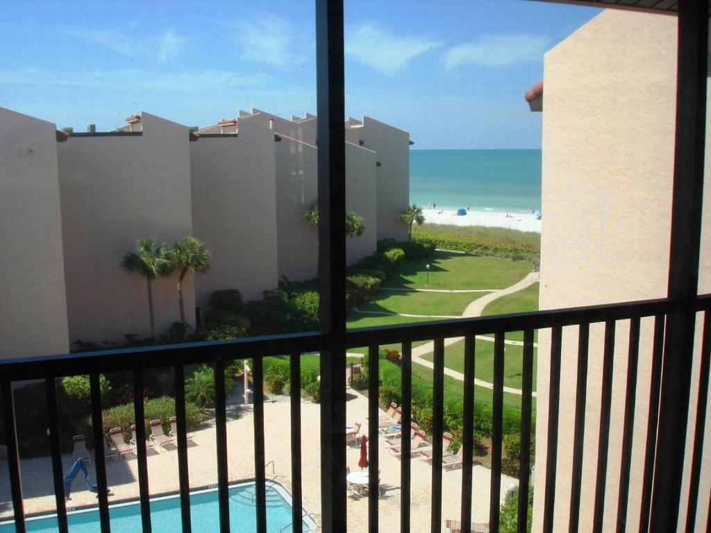 A balcony or terrace at Siesta Breakers #603, Gulfside in Siesta Key, FL