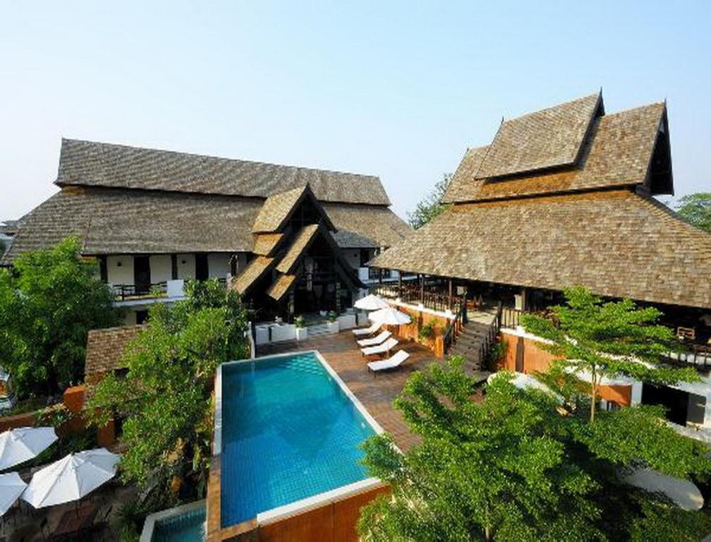 A view of the pool at Rainforest ChiangMai Hotel or nearby