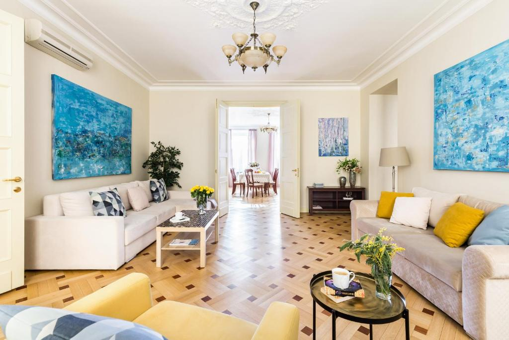 Гостиная зона в Apartment near Hermitage