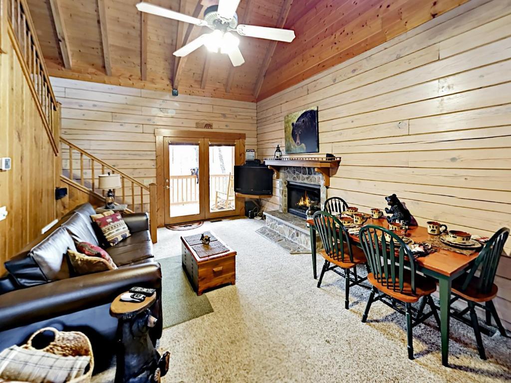 Ridgetop Retreat - 2 Cabins Cabin