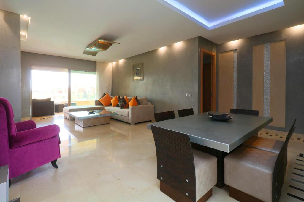 A seating area at Appartement XL Prestigia Topaze