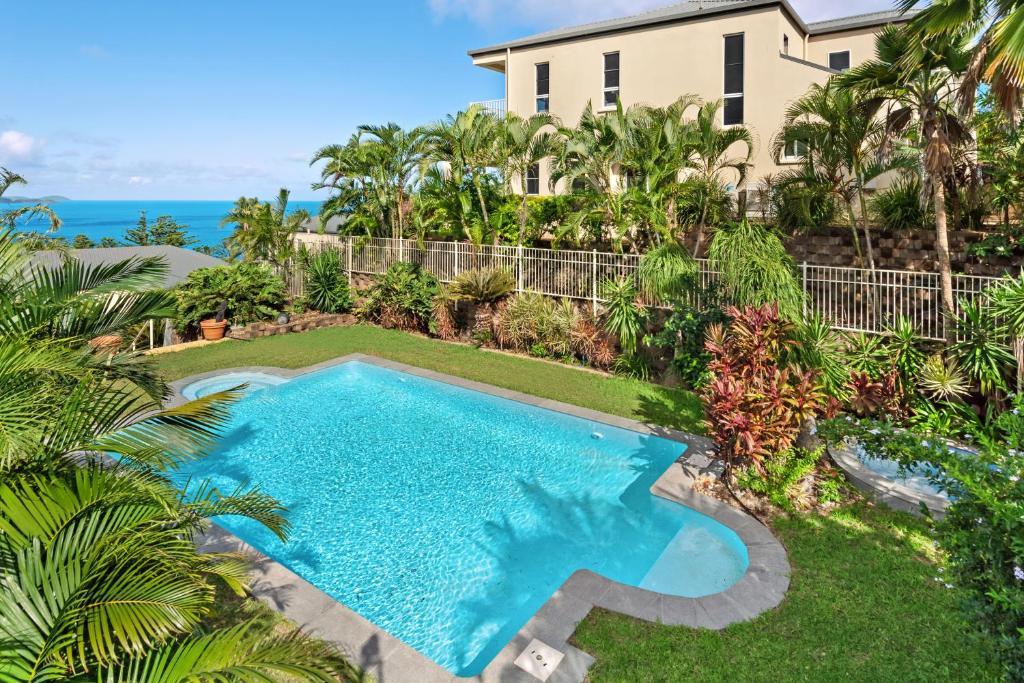 The swimming pool at or near La Bella Apartments