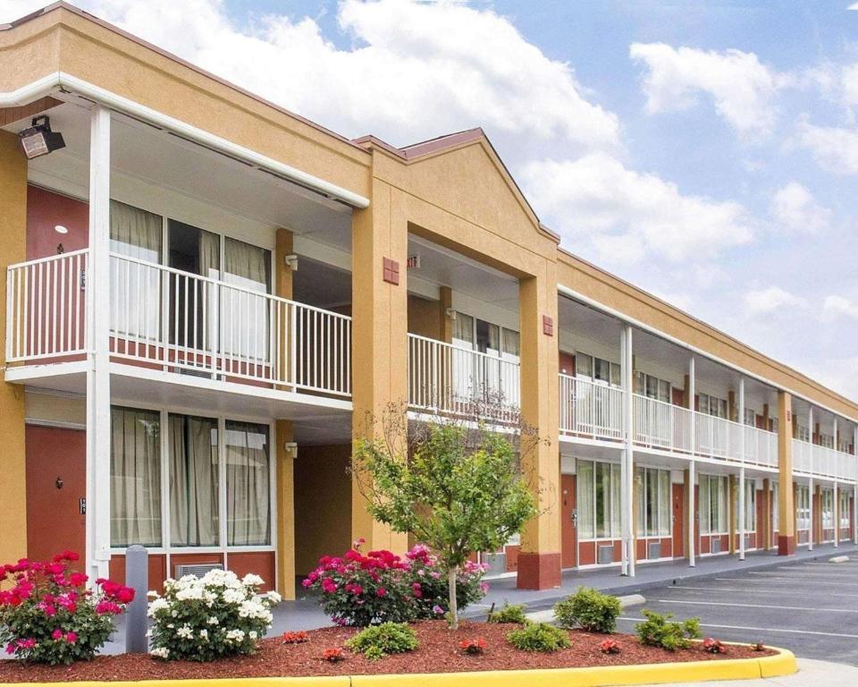 Quality Inn Fredericksburg near Historic Downtown