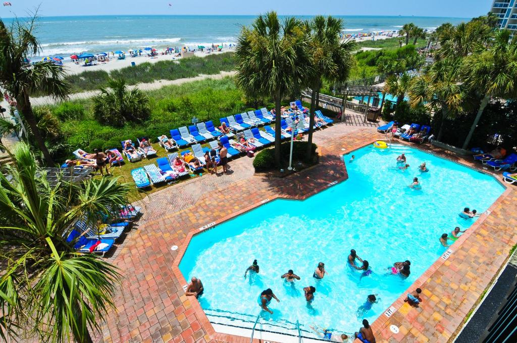 A view of the pool at Sea Crest Oceanfront Resort or nearby