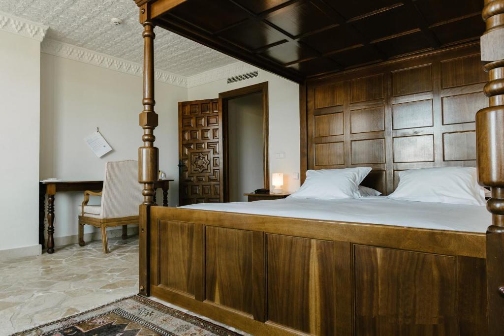 Hotel Castillo de Monda 9