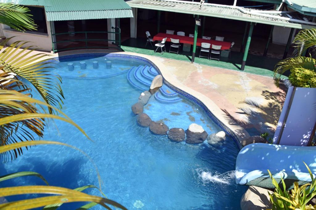 Вид на бассейн в Grand Melanesian Hotel или окрестностях