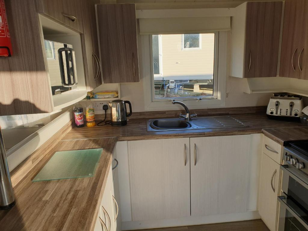 Combe Haven Holiday Park - Laterooms