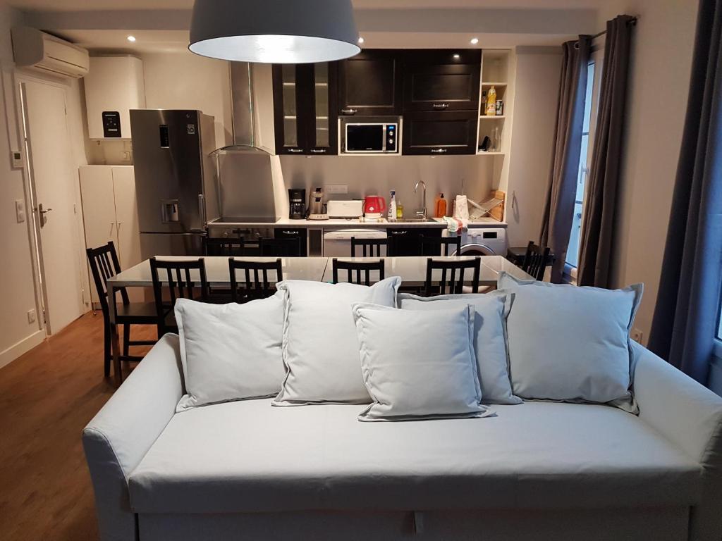 Apartment Meubles De Tourisme Vincennes France Booking Com