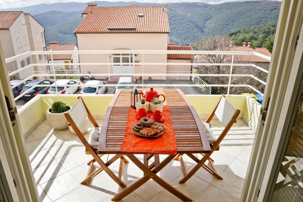 A balcony or terrace at Josephine Rabac