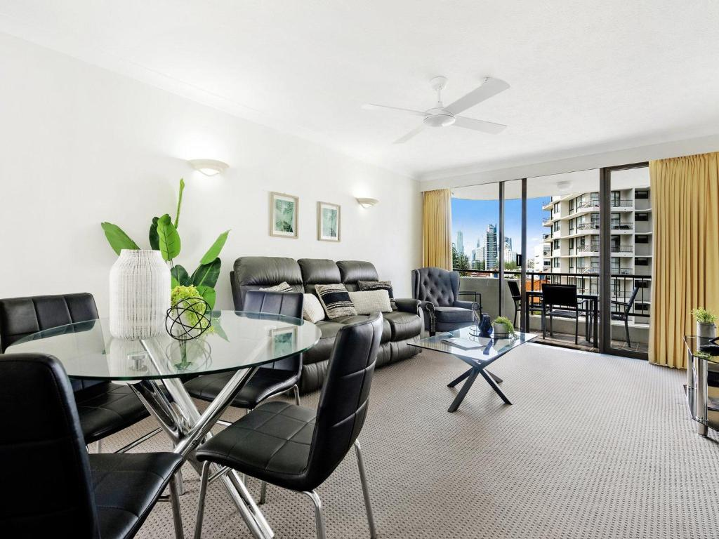 A seating area at Pacific Resort in the Heart of Broadbeach